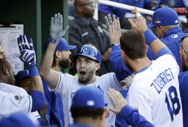 Kansas City Royals' Eric Hosmer celebrates in the