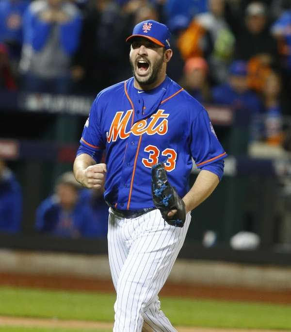 New York Mets starting pitcher Matt Harvey (33)