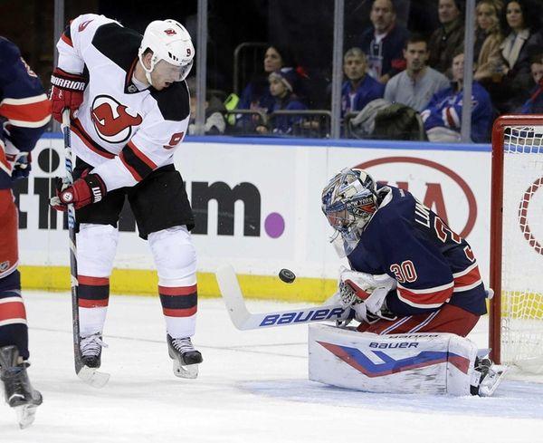 New York Rangers goalie Henrik Lundqvist (30) with