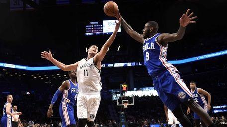Brooklyn Nets center Brook Lopez (11) and Philadelphia
