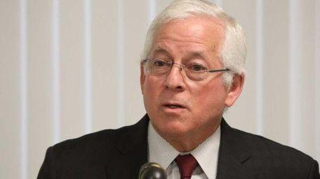 Assemb. Charles Lavine (D-Glen Cove) pushes bills for