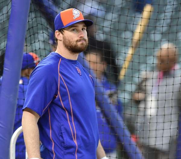 New York Mets second baseman Daniel Murphy looks