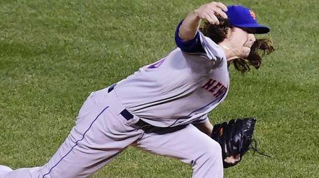 New York Mets starting pitcher Jacob deGrom (48)