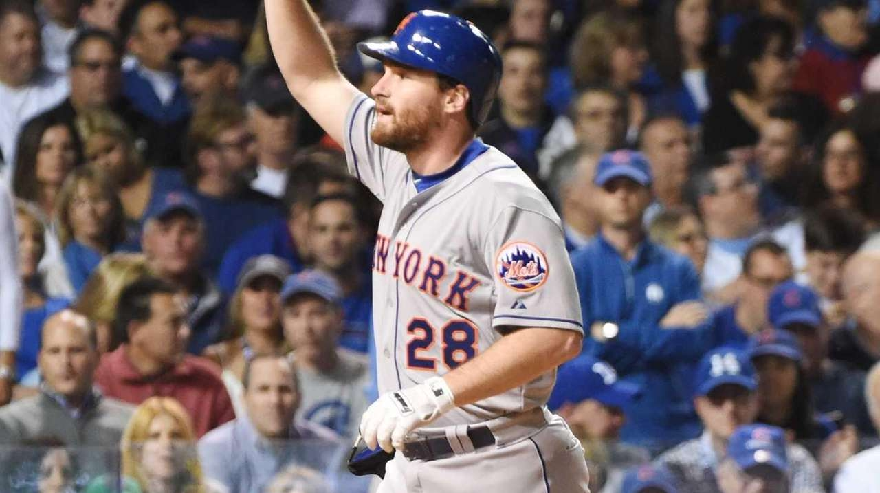 New York Mets second baseman Daniel Murphy (28)