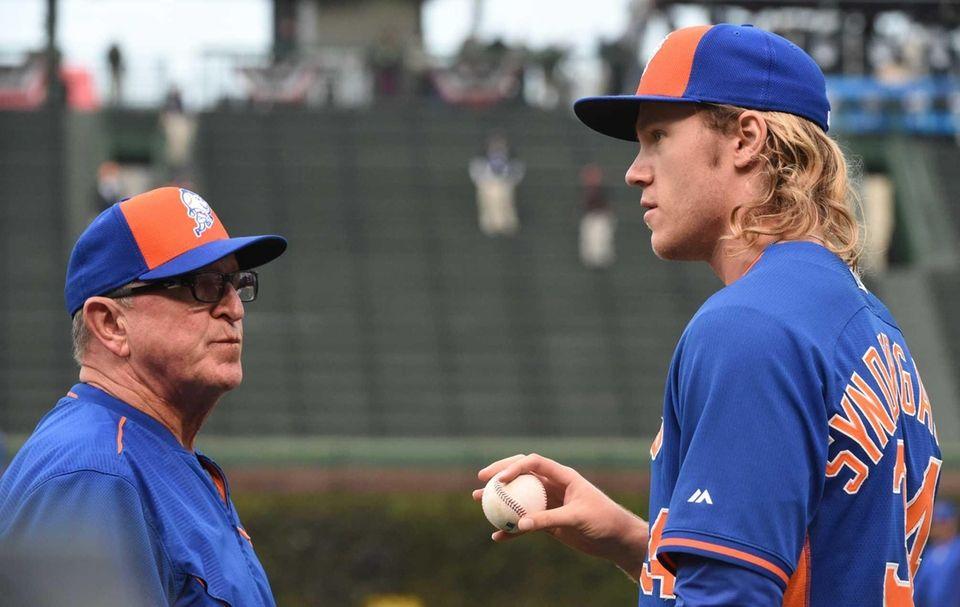 New York Mets pitching coach Dan Warthen (59)