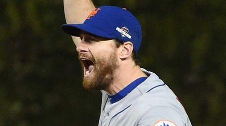 New York Mets second baseman Daniel Murphy celebrates