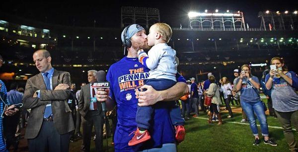 New York Mets second baseman Daniel Murphy kisses