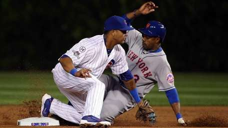 Curtis Granderson of the New York Mets steals