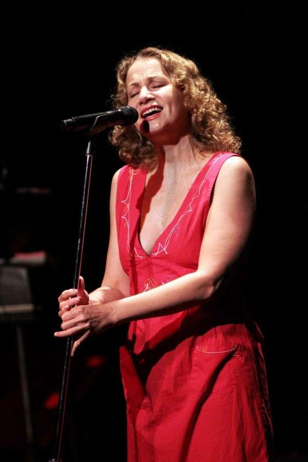 Joan Osborne performs at the YMCA Boulton Center