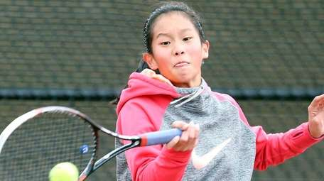 Commack's Kimberly Liao falls to Half Hollow Hills