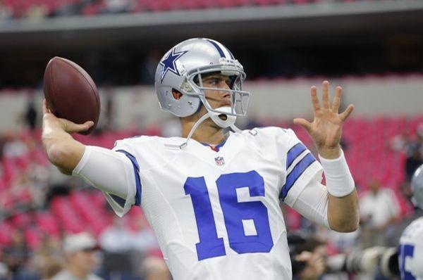 Dallas Cowboys' Matt Cassel (16) throws before an