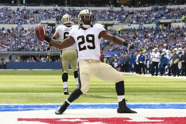 New Orleans Saints running back Khiry Robinson celebrates