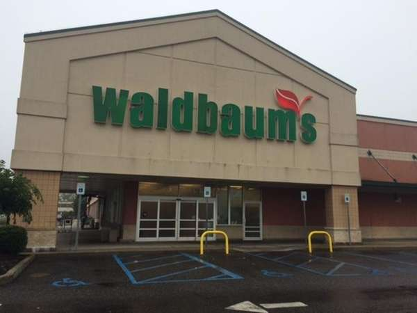 A Waldbaum's in Deer Park