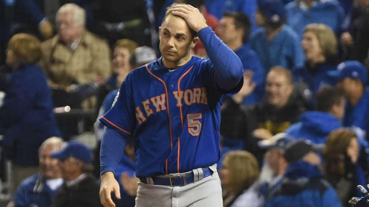 New York Mets third baseman David Wright reacts