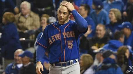 New York Mets third baseman David Wright reacts