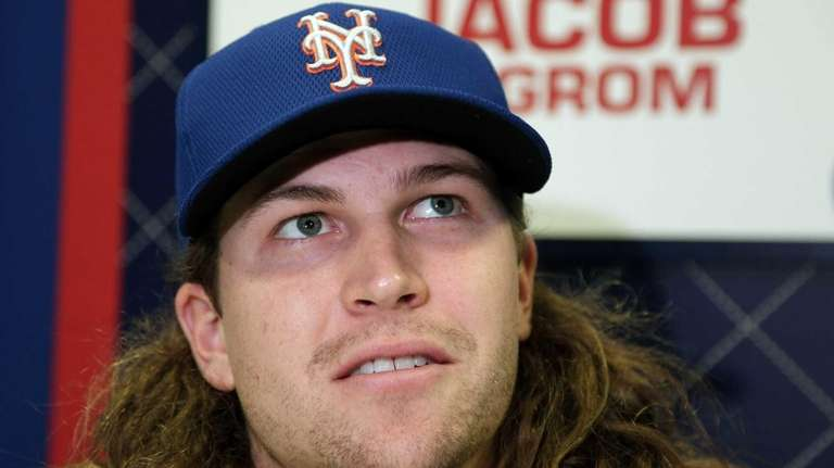 New York Mets starting pitcher Jacob deGrom talks