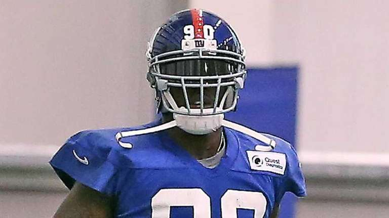 Jason Pierre-Paul practices with the Giants for the
