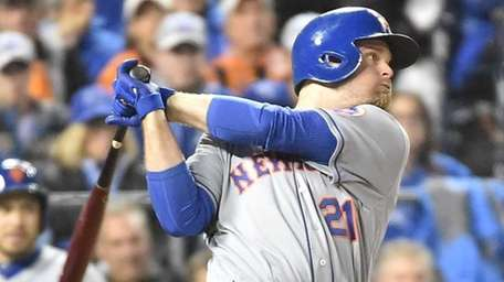 New York Mets first baseman Lucas Duda (21)
