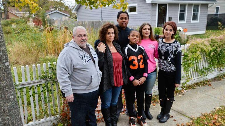 Left to right, Meagan, Daniel, Amanda, Elijah, Saiquan