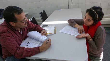 Umama Pasha teaches a New Citizenship Clinic at