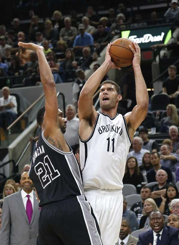 Brook Lopez #11 of the Brooklyn Nets shoots
