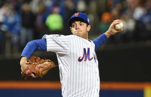 New York Mets starting pitcher Steven Matz (32)
