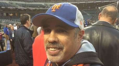 Radio producer and Mets fan Gary Dell'Abate watches