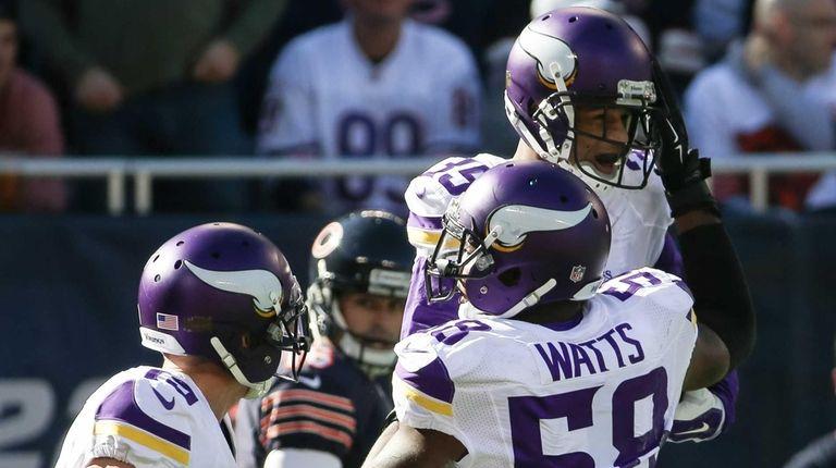 Marcus Sherels #35 of the Minnesota Vikings celebrates