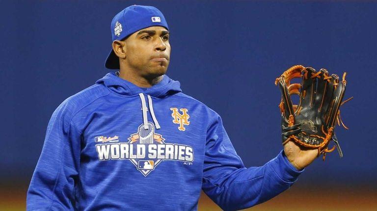 New York Mets centerfielder Yoenis Cespedes (52) looks