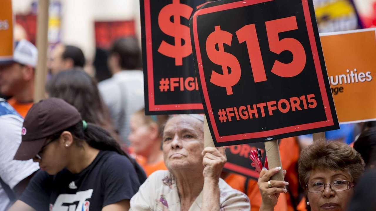 Fast food workers converge in downtown Manhattan on