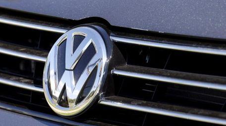 Investors and regulators put more pressure on Volkswagen