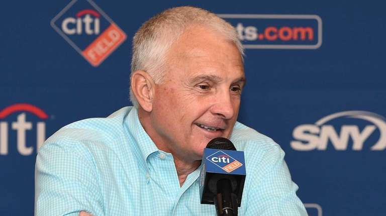 New York Mets manager Terry Collins speaks at