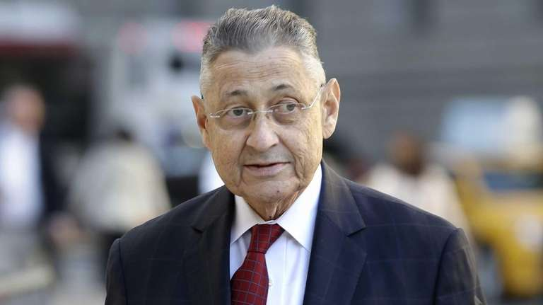 Former Assembly Speaker Sheldon Silver arrives at the