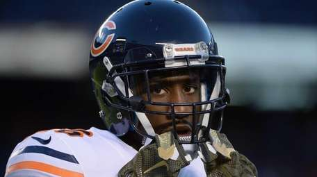 Antrel Rolle #26 of the Chicago Bears warms