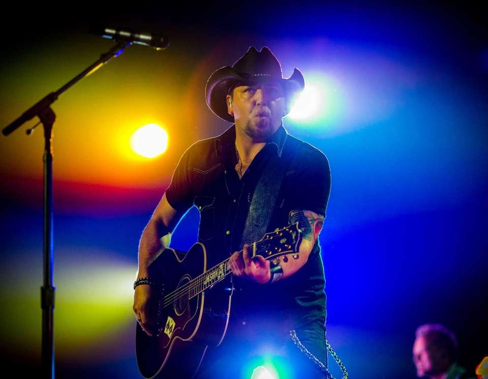 Jason Aldean performs during the American Country Countdown
