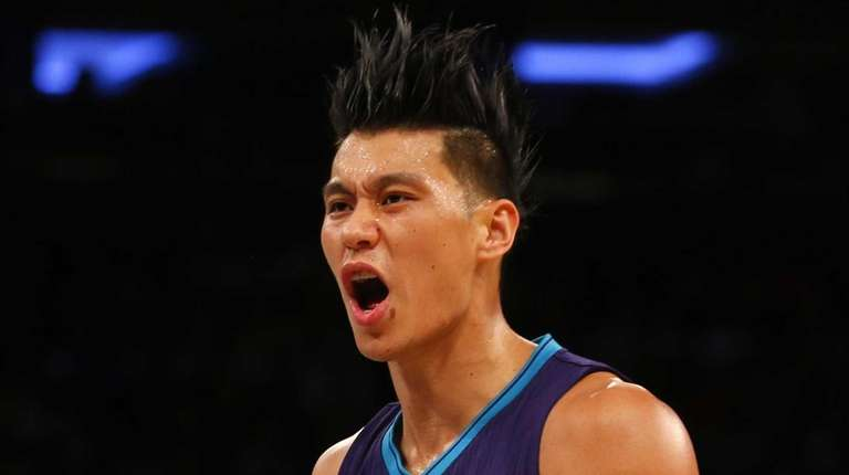 Jeremy Lin #7 of the Charlotte Hornets reacts