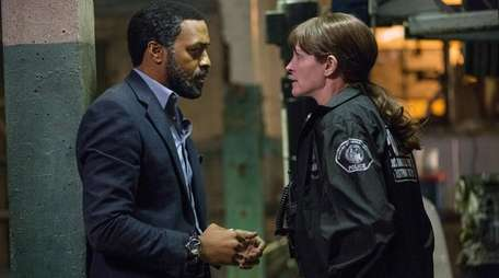 Chiwetel Ejiofor and Julia Roberts star in