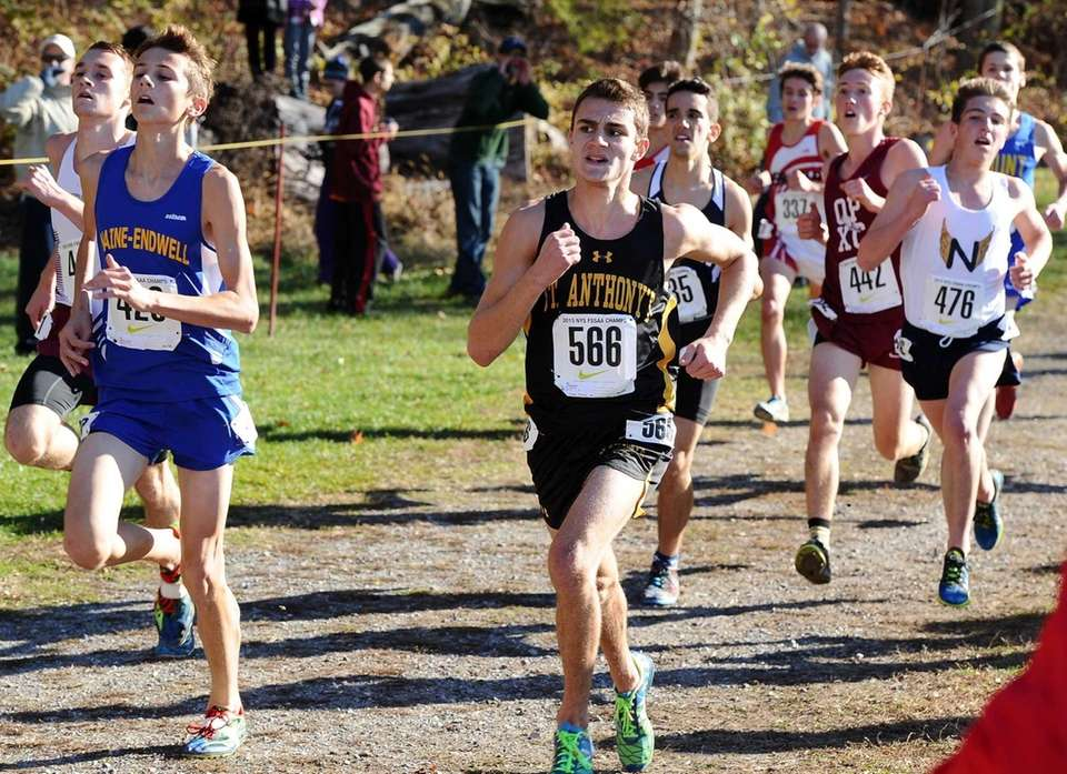 Sean Vierling of St. Anthony's sprinting to the