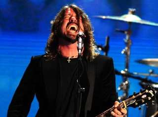 sb performers - foo fighters
