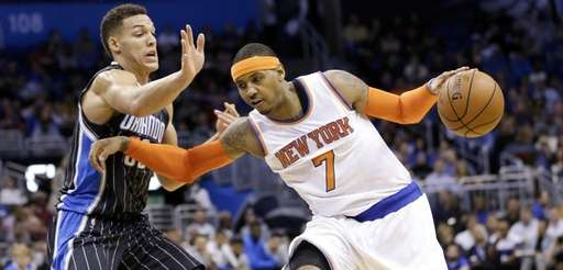 New York Knicks forward Carmelo Anthony (7) drives