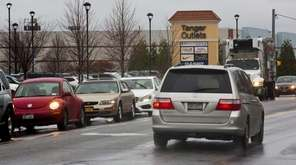 Traffic at Tanger Outlets in Deer Park returns