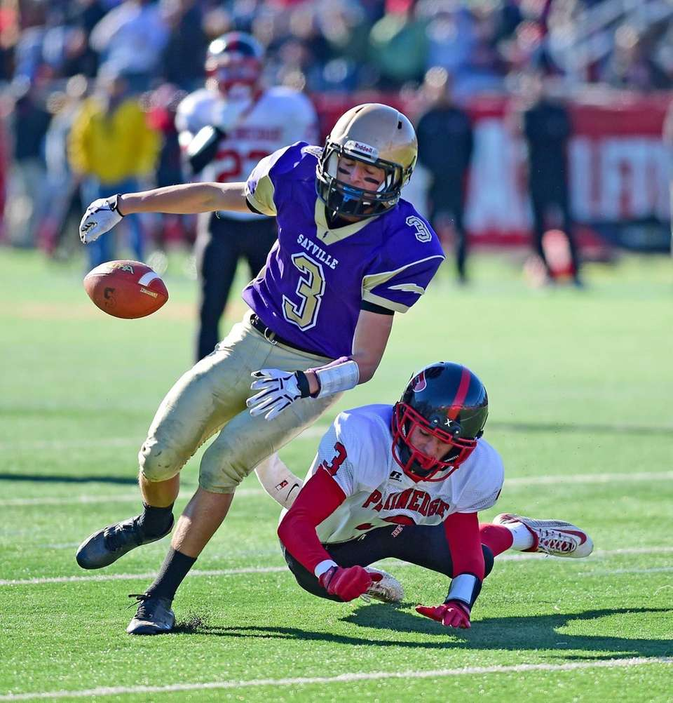 Sayville's Jason Intermesoli tries to make the catch