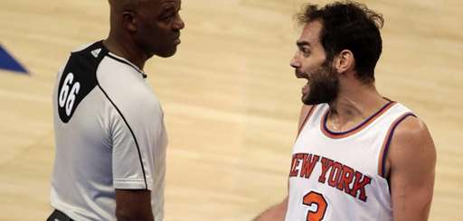 New York Knicks guard Jose Calderon (3) argues