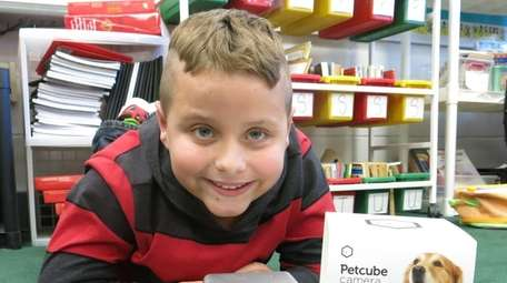 Kidsday reporter Dylan Dascoli tested the Pet Cube.
