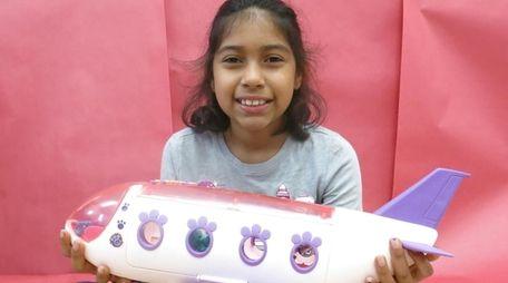 Kidsday reporter Isabel Castillo tested the Littlest Pet