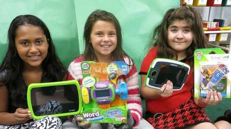 Kidsday reporters Yesenia Lugo, left, Leah Flower and