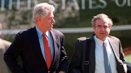 Then-President Bill Clinton walks across the South Lawn