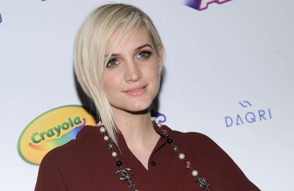Ashlee Simpson has a daughter named Jagger with