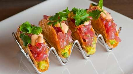 Grilled ahi tacos will be served at Del
