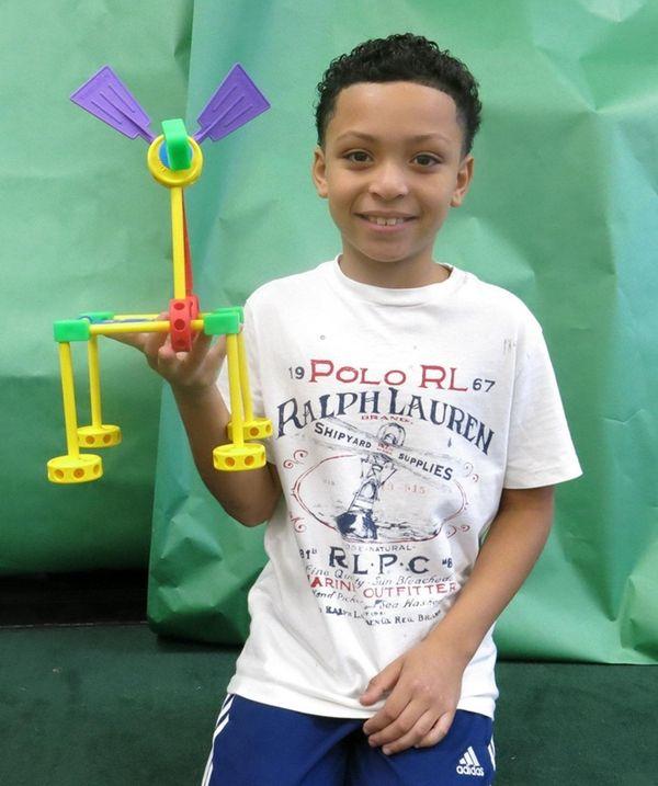Kidsday reporter Jordan Frank tested the 200-piece Tinkertoy